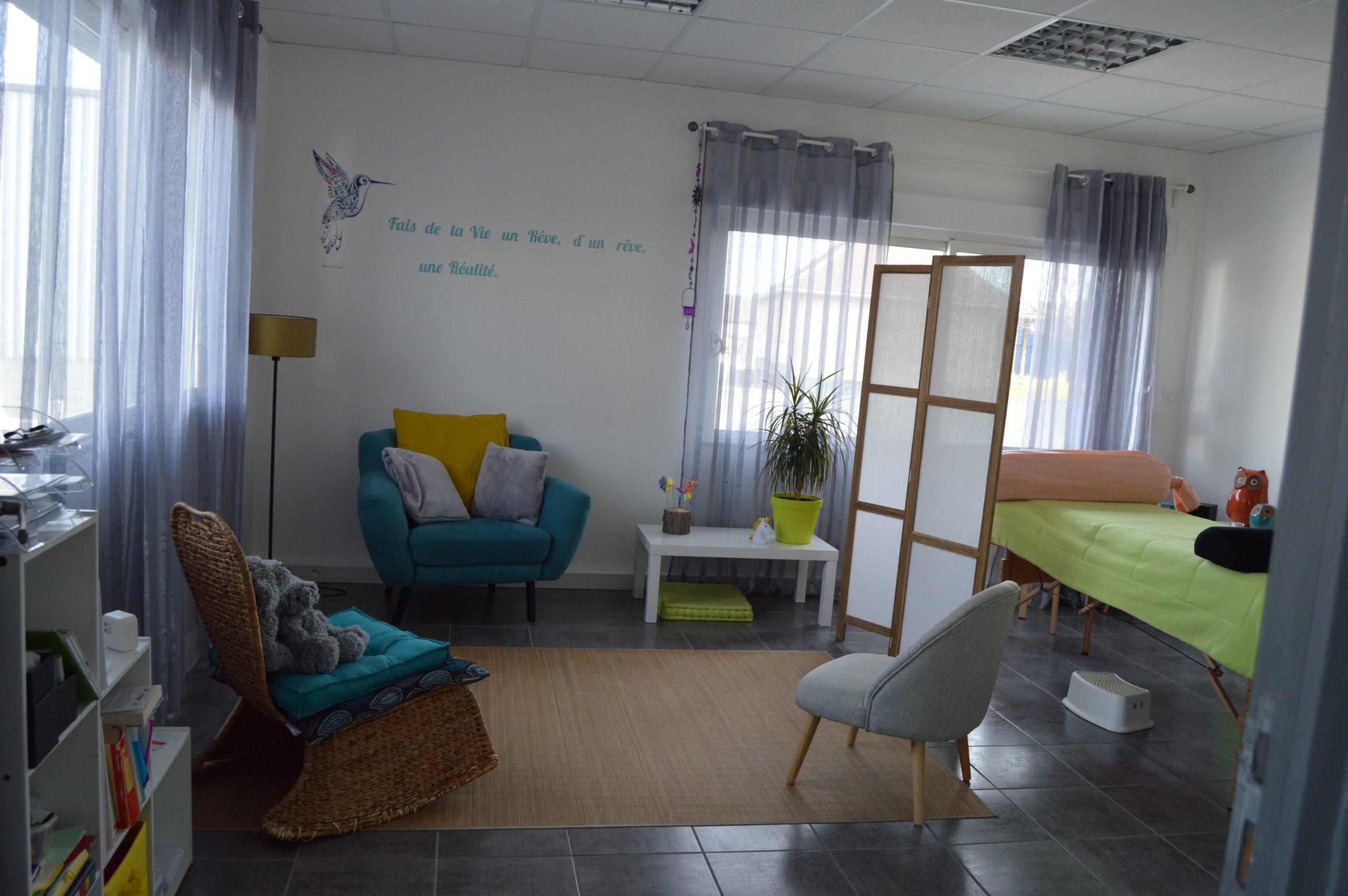 Sophrologue   Praticienne Hypnose Ericksonienne   Réflexologue (Visage Mains et Pieds) à Clermont Ferrand