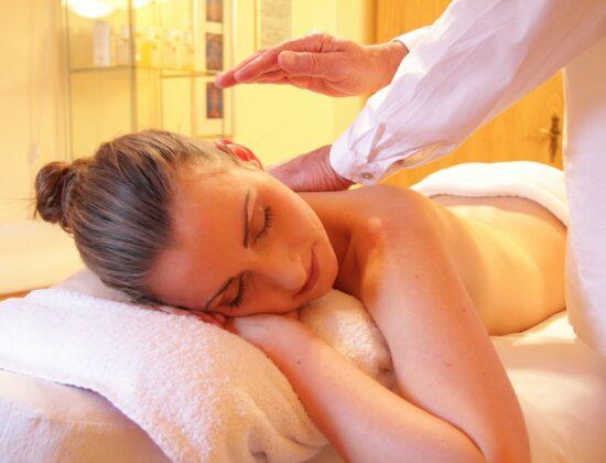 Catherine PENHOAT – Accompagnatrice Holistique Réflexologue  Massage