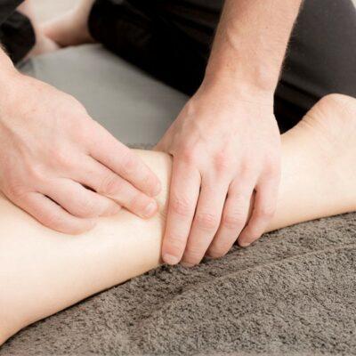 Praticienne de santé en Naturopathie Vitaliste, Praticienne en massage bien-être, Praticienne en Reiki, Professeure en Yoga du rire