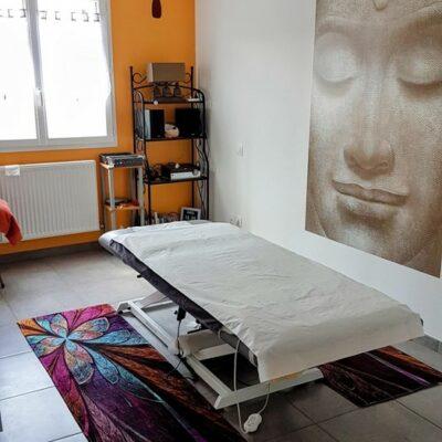 Praticienne en Massages Bien-Être, EFT Clinique & Psycho-Energéticienne Certifiée par l'IFPEC de Lyon