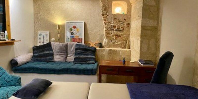 Kinésiologue, Praticienne en thérapie psychocorporelle, Spécialiste en équilibre énergétique, (au centre-ville de Montpellier)