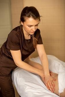 Comment devenir kinésithérapeute ? Ce qu'il faut savoir -Il existe plusieurs spécialisations pour un kinésithérapeute