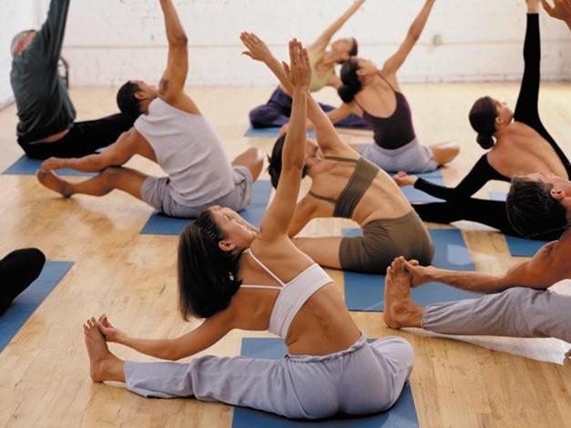 Praticienne en massages bien-être, Professeure de Yoga - Soustons